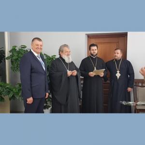 """Şeful Direcţiei de Învăţământ Briceni a fost decorat cu Ordinul """"Cuviosul Paisie Velicicovski""""  de gradul II"""